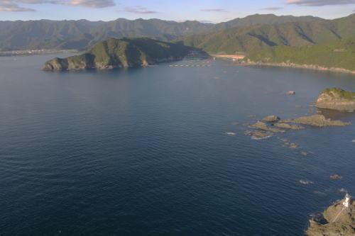 長島 港 大石 灯台